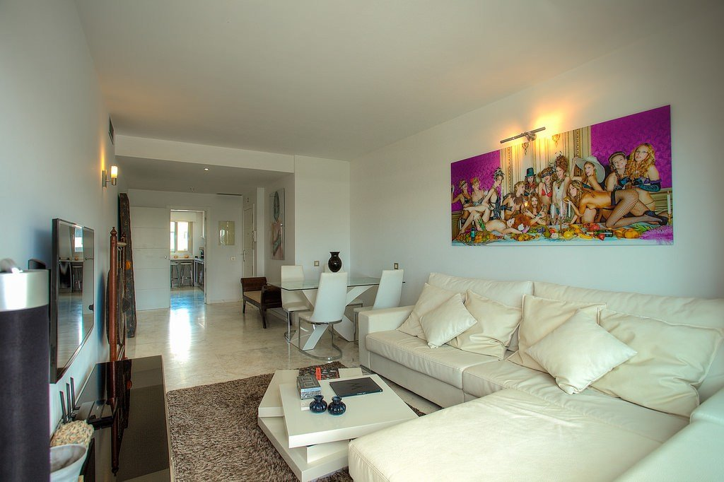 Best 2 Bedroom Luxury Apartment In Royal Beach Jacuzzi White With Pictures