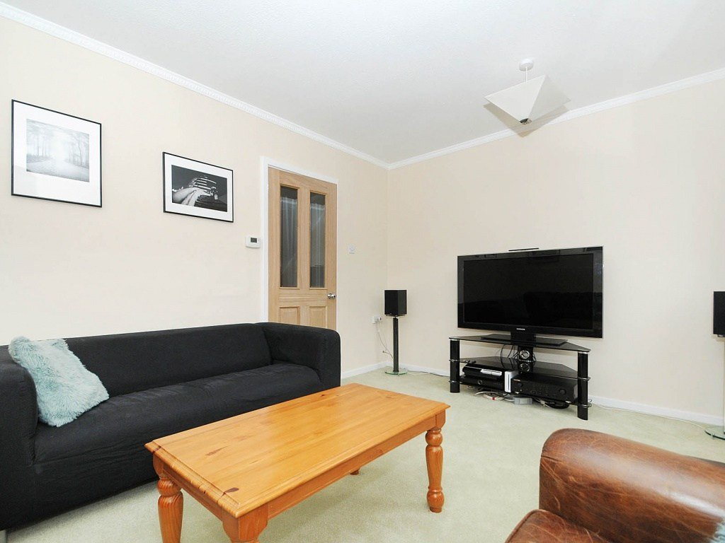 Best Rent A 3 Bedroom Maisonette In Ardent House Bow E3 London With Pictures