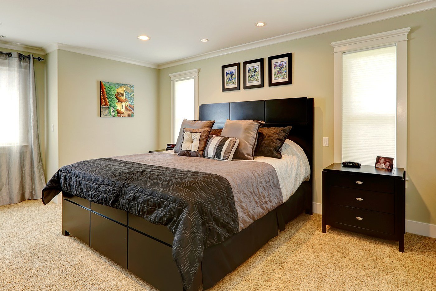 Best Ask A Pro Q A Staging Small Bedrooms For Sale Better With Pictures