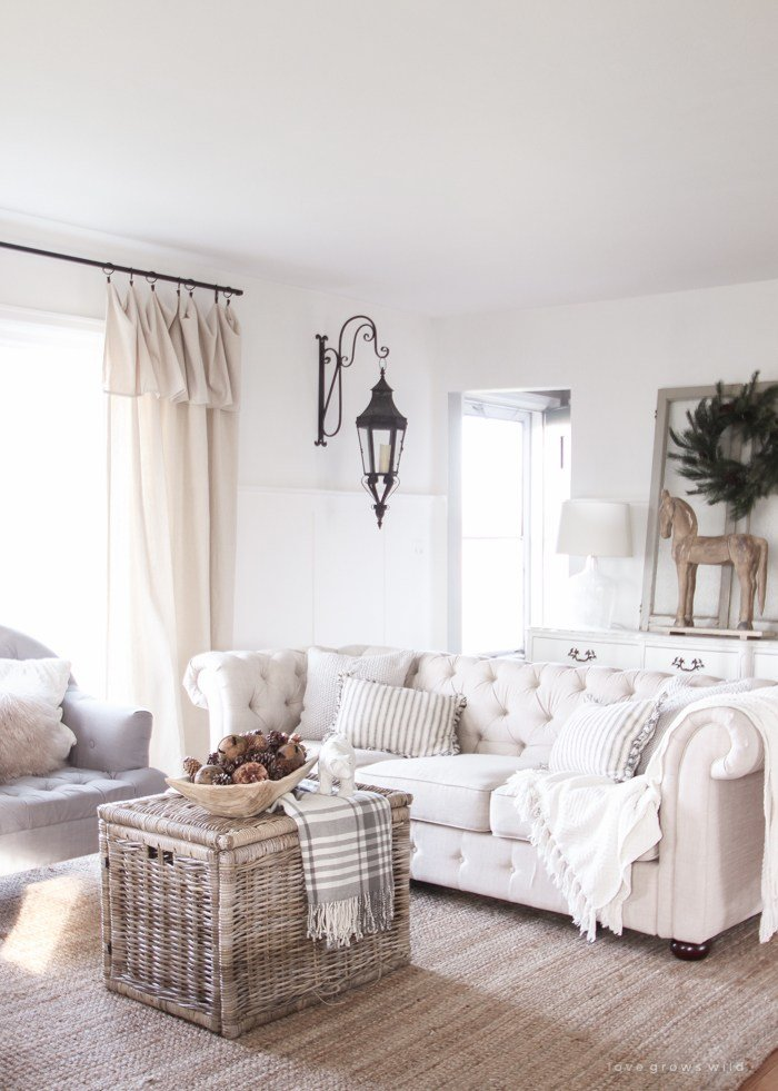 Best 45 Comfy Farmhouse Living Room Designs To Steal Digsdigs With Pictures