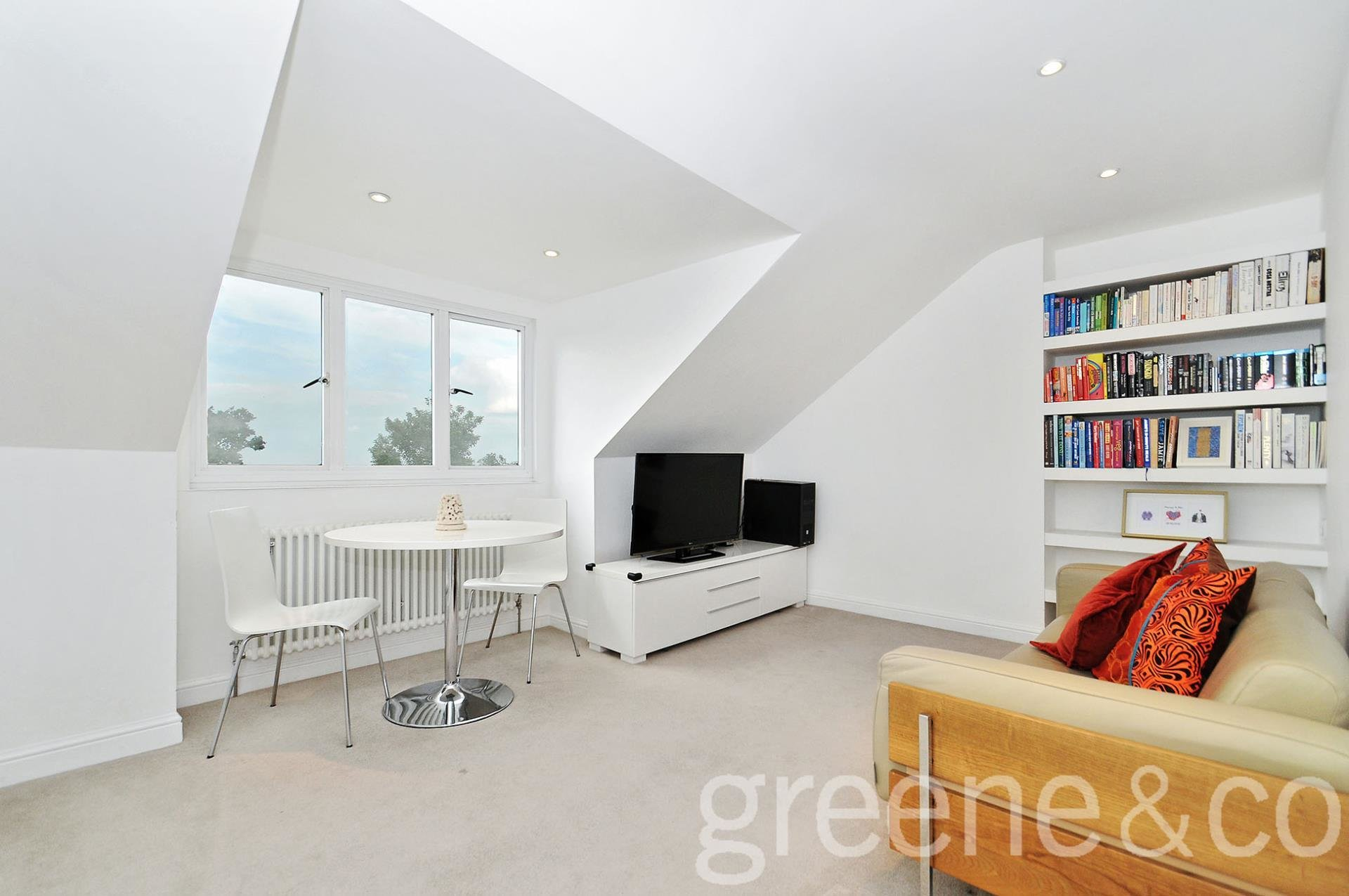 Best 2 Bedroom Apartment To Rent In Christchurch Road Crouch With Pictures