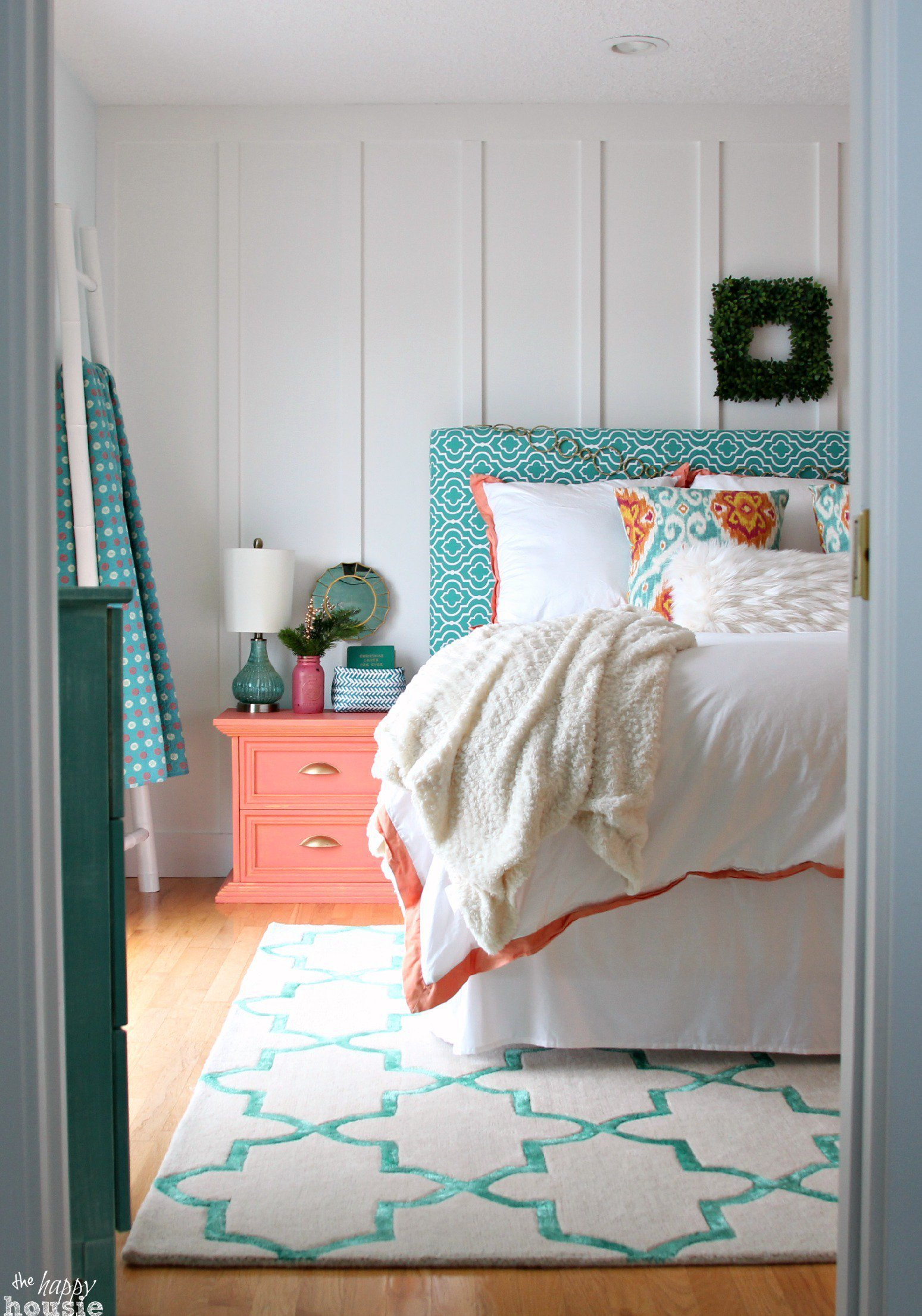 Best Turquoise Coral Master Bedroom Inspiration With Pictures