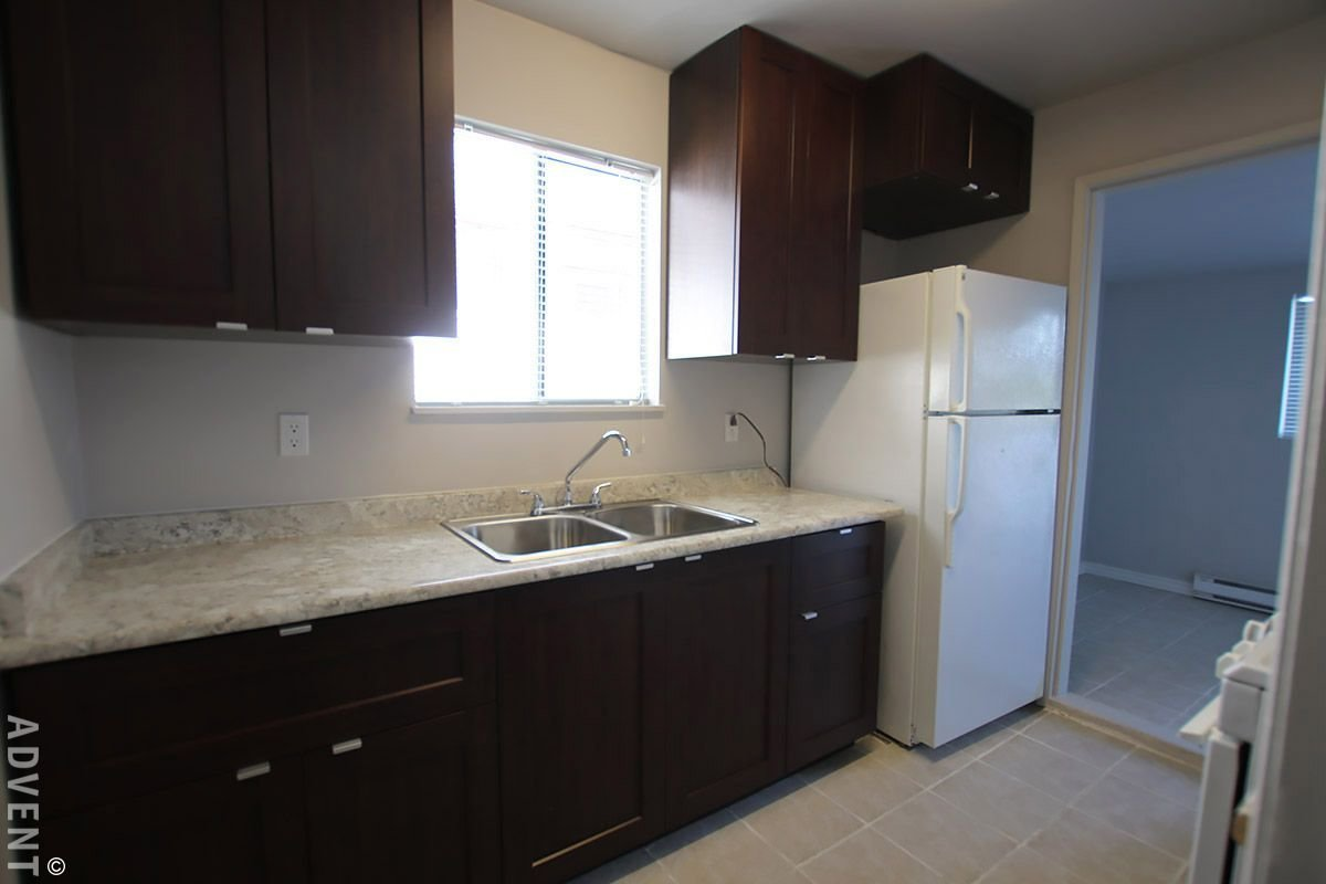 Best Renfrew Collingwood House Rental 4980 Chatham St Vancouver With Pictures