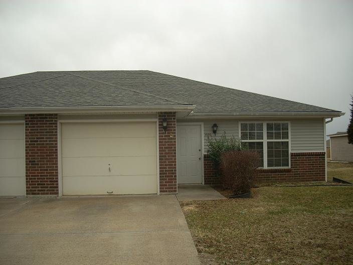 Best 2 Bedroom Rental Duplex Kn*B Noster Available June 1St With Pictures