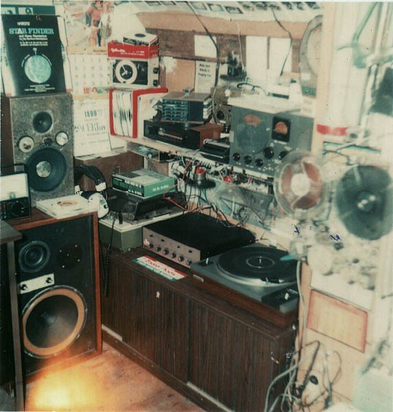 Best A 1970 S Teenager S Bedroom Vintage Stereo Equipment With Pictures