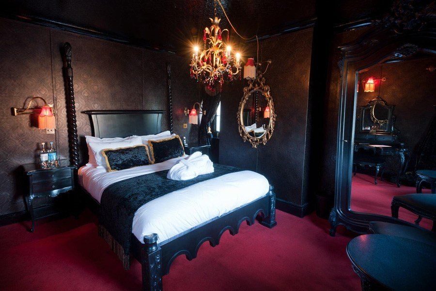 Best Crazy Bear Beaconsfield Bedrooms Townhouse With Pictures