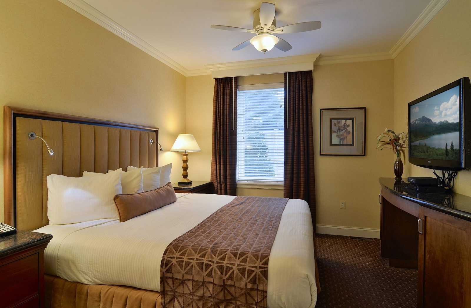 Best Suite In Lancaster Pa Enjoy The One Bedroom Villa Suite With Pictures