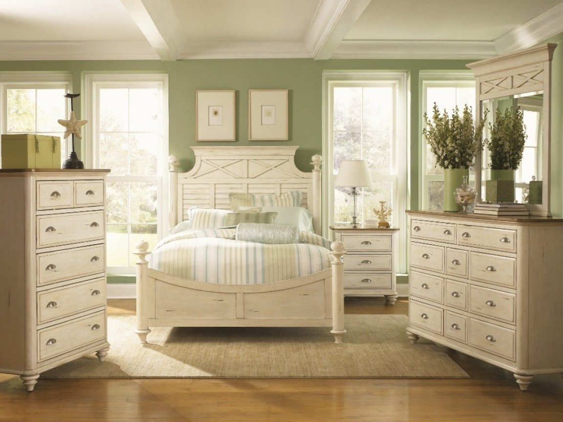 Best White Furniture Bedroom Set White Cottage Bedroom With Pictures
