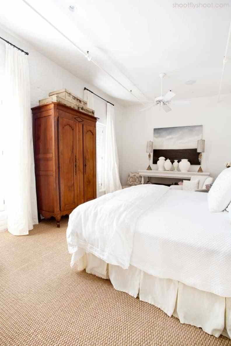 Best Bedroom With Wooden Armoire And Carpet Choosing The Right Bedroom Carpet Wearefound Home Design With Pictures
