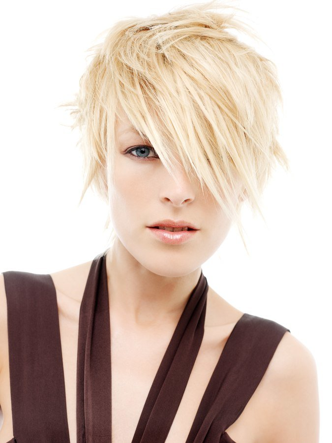 Free Short Carefree Hairstyle For Blonde Hair Wallpaper