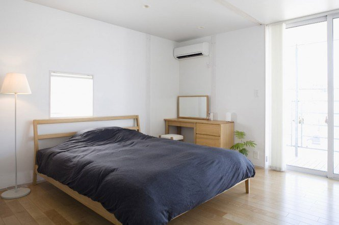Best Minimalist Japanese Prefab Modern Bedroom Red Blanket With Pictures