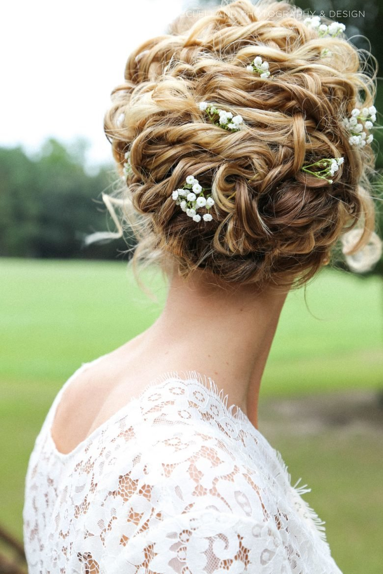 Free 33 Modern Curly Hairstyles That Will Slay On Your Wedding Wallpaper