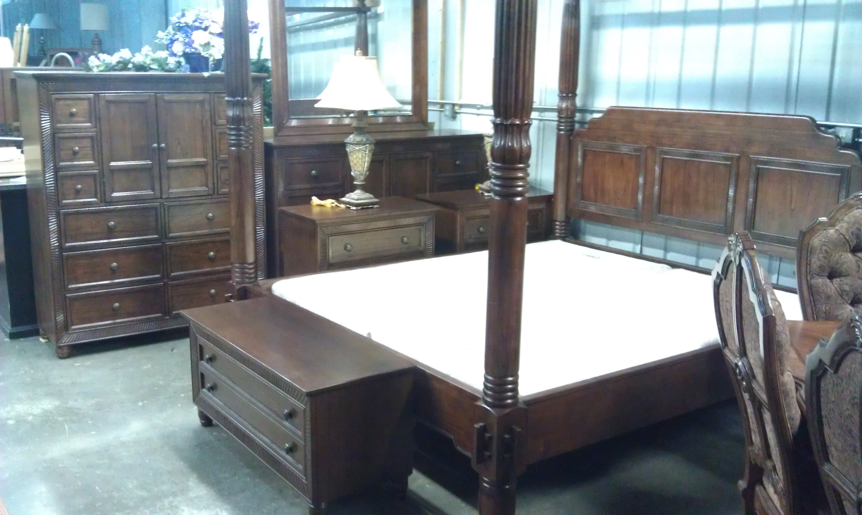 Best 9 Piece Cindy Crawford Malibu King Bedroom Set Fargo Used With Pictures