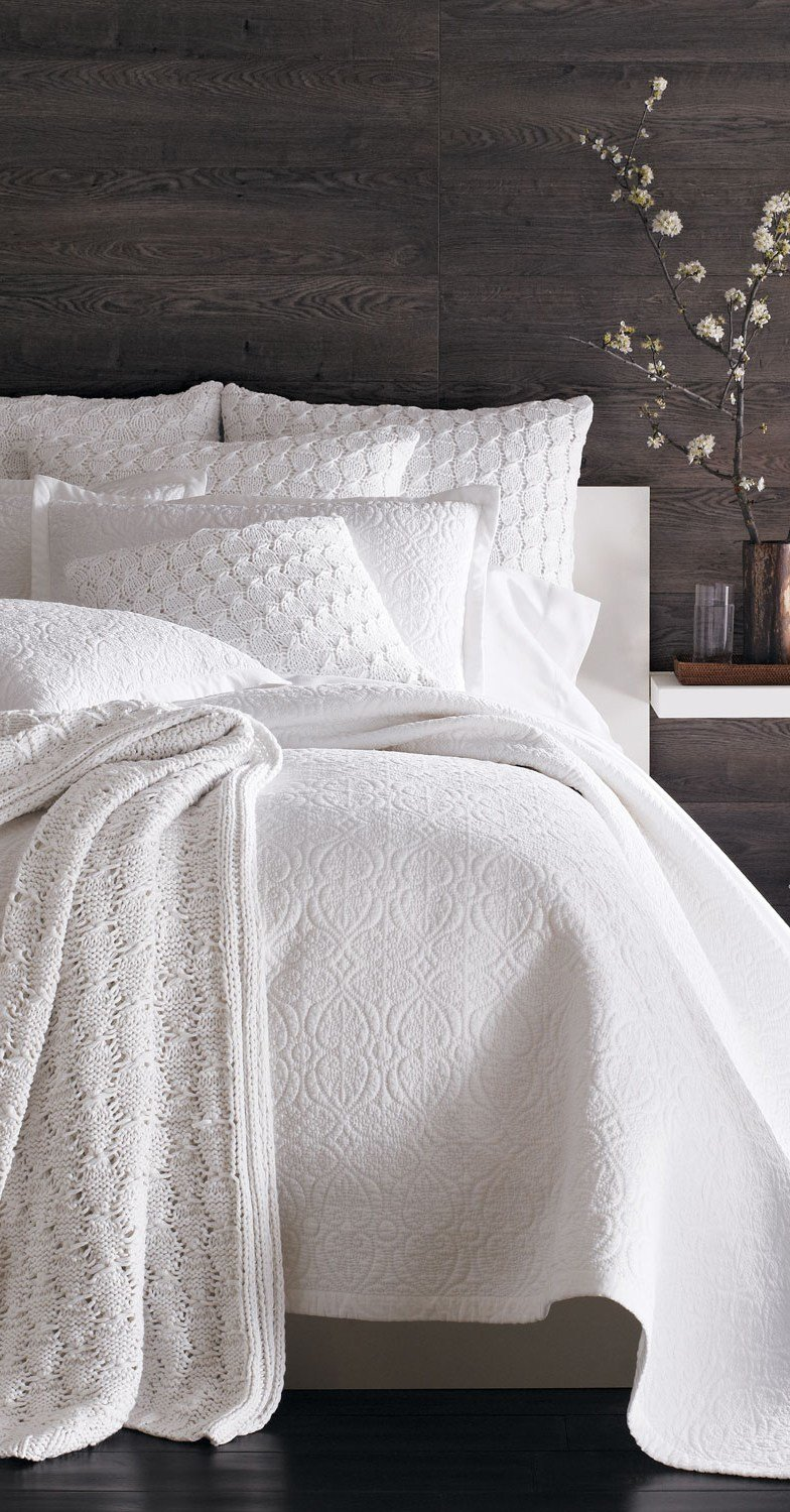 Best The Blue B**By It S A Nice Day For A White Bedding With Pictures