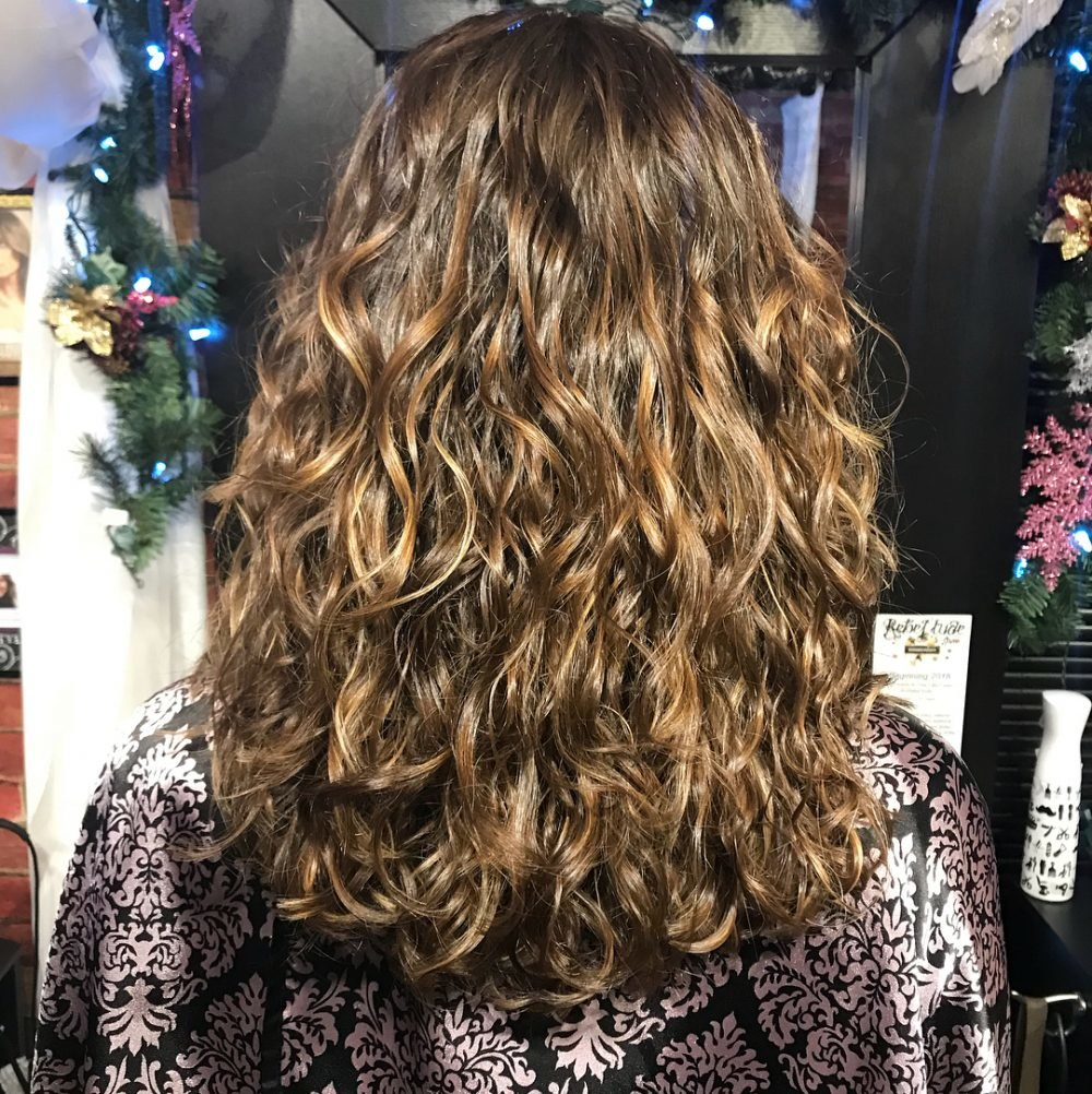 Free 25 Cutest Hairstyles For Long Curly Hair In 2018 Wallpaper