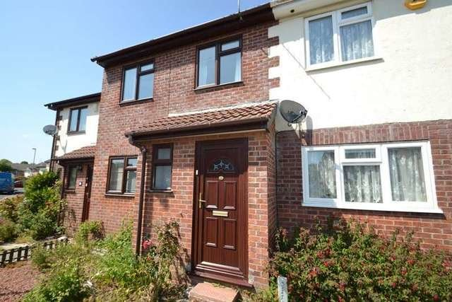 Best 3 Bedroom Terraced House For Sale In Sanderling Close With Pictures