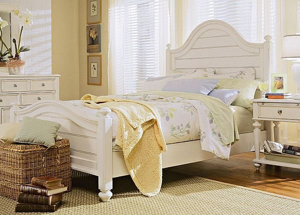 Best How To Decorate A Bedroom With White Furniture With Pictures