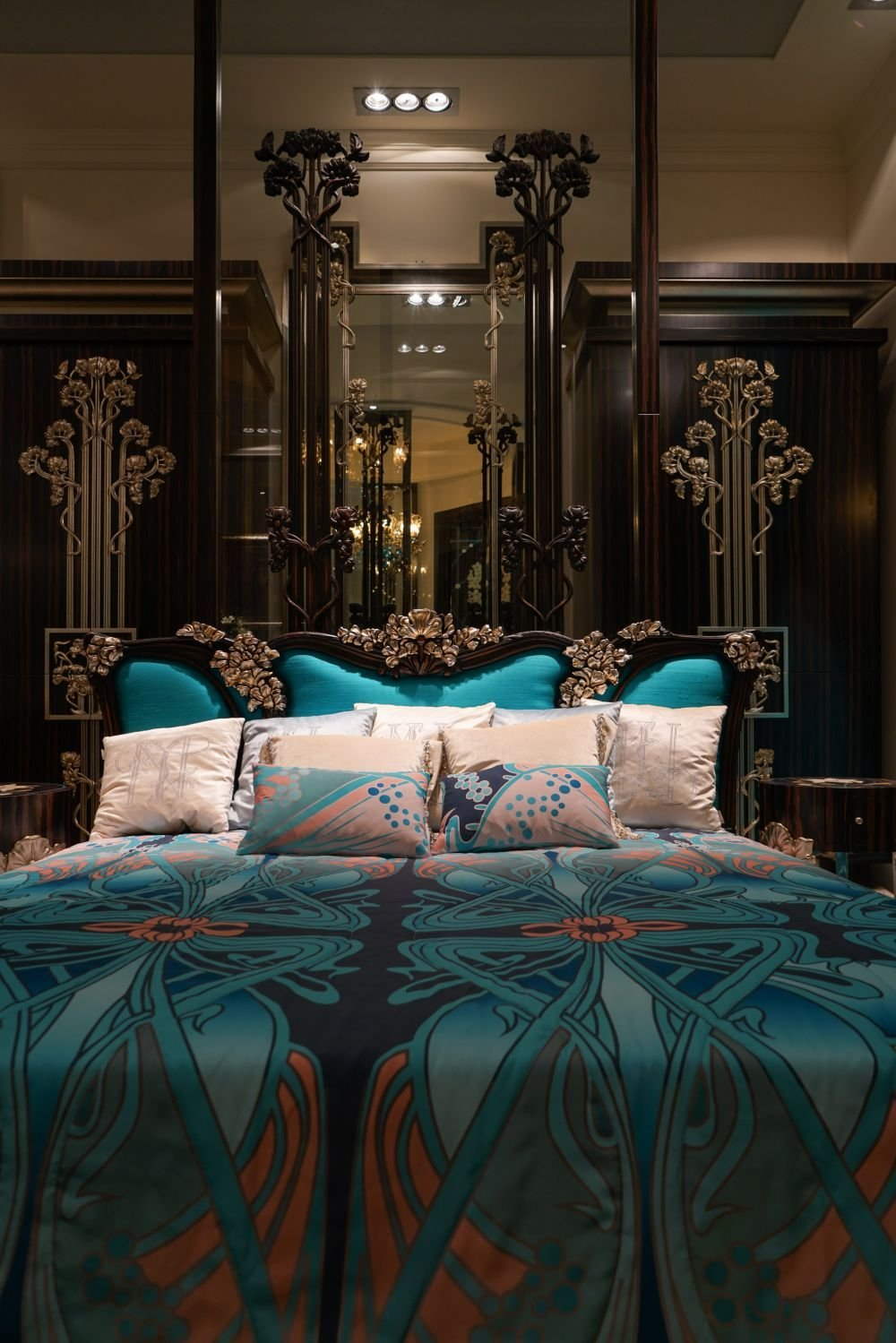 Best Baroque Rococo Style Make For A Luxury Bedroom With Pictures