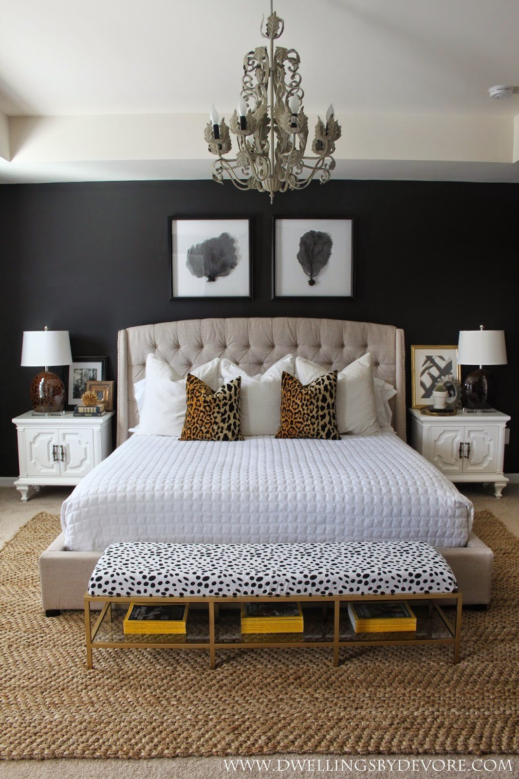 Best 15 Luxurious Black And Gold Bedrooms With Pictures