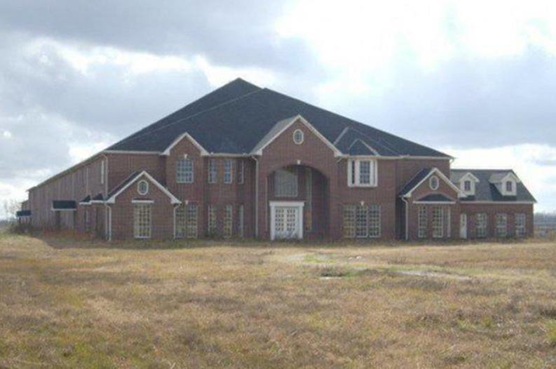 Best Gigantic 30 Bedroom 30 Bathroom House For Sale In Texas With Pictures