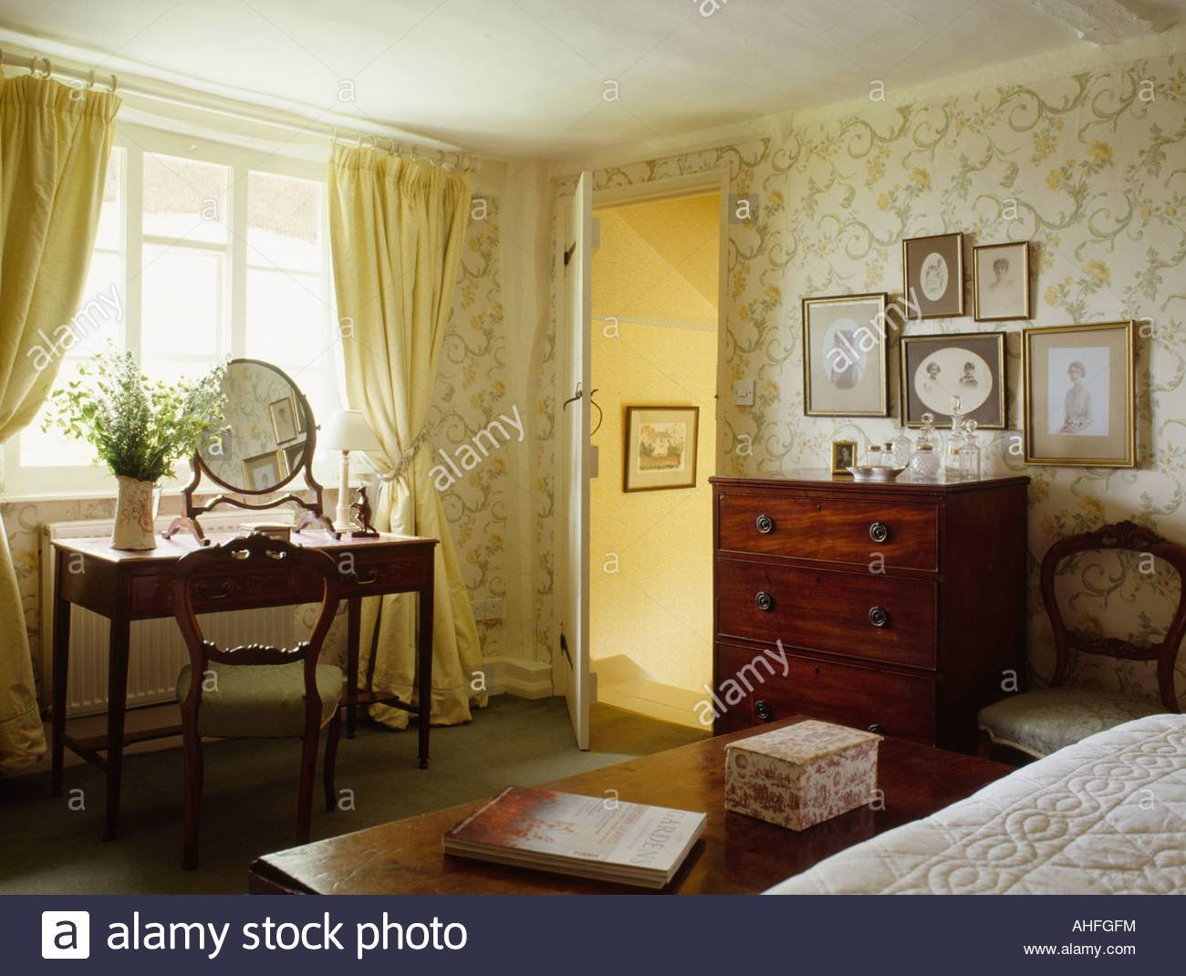 Best Pastel Yellow Curtains In Traditional Country Bedroom With With Pictures
