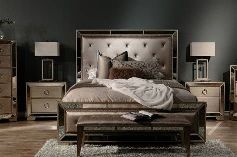 Best Pulaski Farrah Upholstered Suite Mathis Brothers Furniture With Pictures
