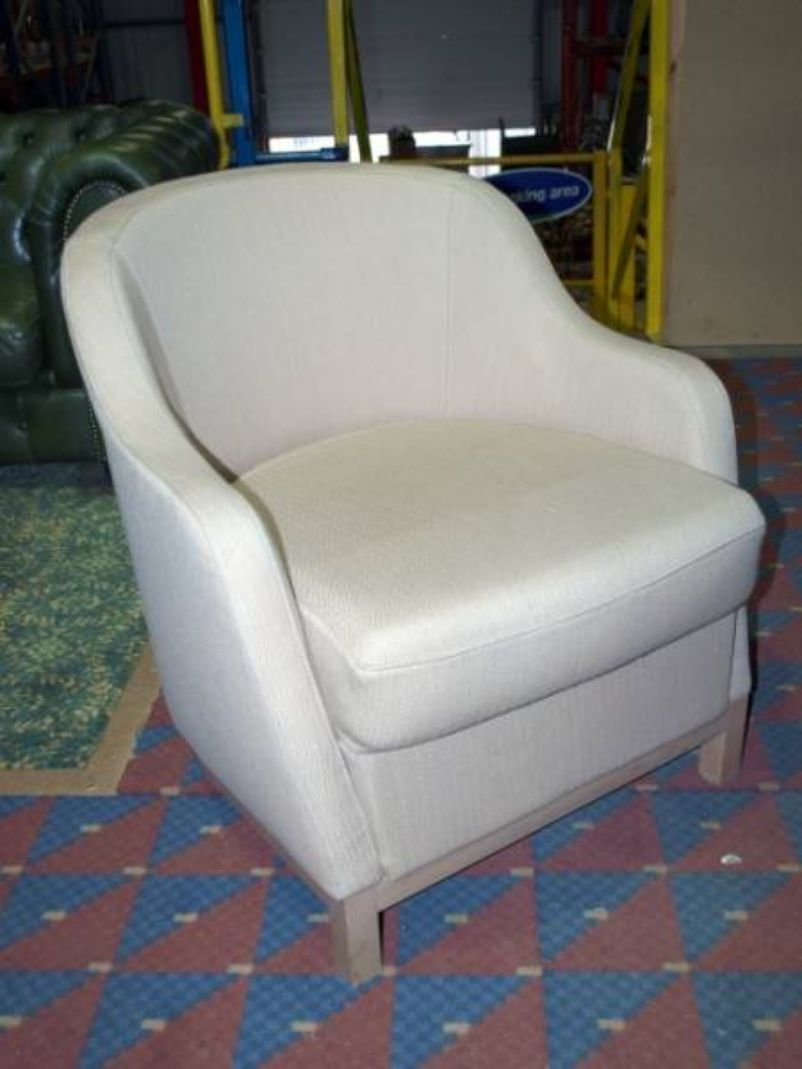 Best Secondhand Pub Equipment Lounge Furniture 10X Small Bedroom Tub Chairs With Cream Fabric With Pictures