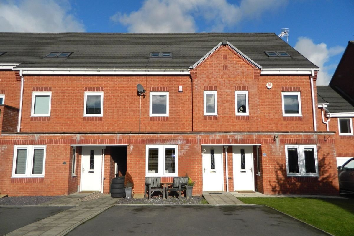Best 3 Bedroom Semi Detached House For Sale In Birmingham West With Pictures