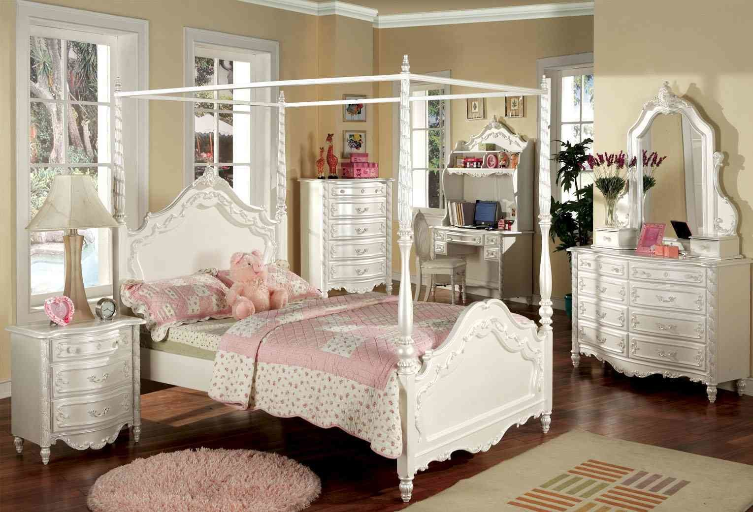 Best Unique Bedroom With Luxurious Beds Canopy Natural Home Design With Pictures