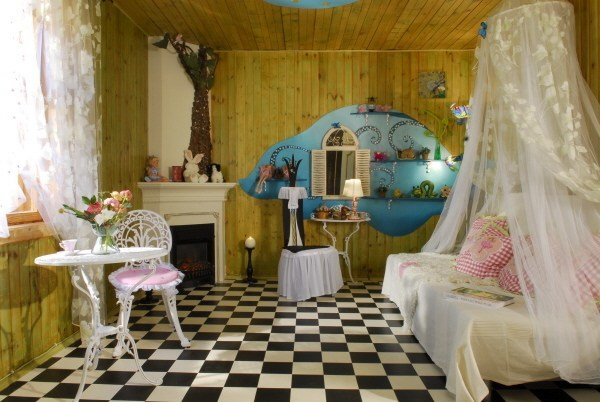 Best Interior Design 2017 Alice In Wonderland Decor – House With Pictures