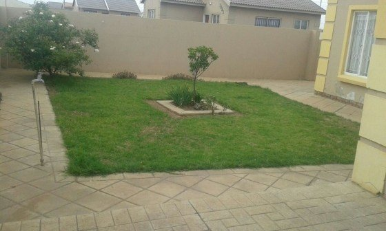 Best 2 Bedroom House With Garage For Rent In Windmill Park With Pictures