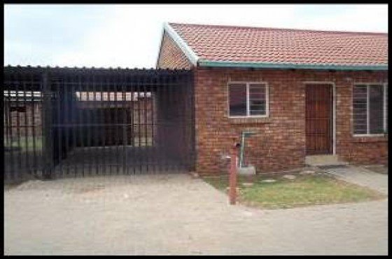 Best 2 Bedroom Townhouse Orchards Pretoria North With Pictures
