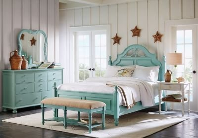 Best Cindy Crawford Home Seaside Blue Green Low Poster 5 Pc Queen Bedroom Queen Bedroom Sets Colors With Pictures