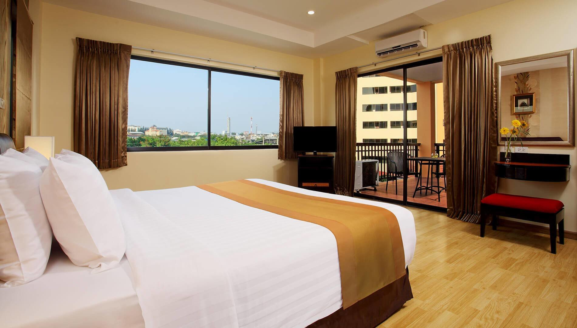 Best Two Bedroom Suite Nova Park Hotel Pattaya With Pictures