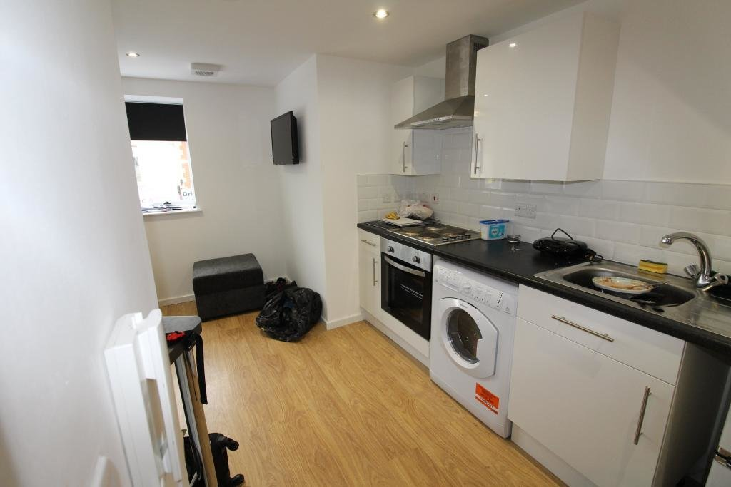 Best 1 Bedroom Flat To Rent In Salisbury Road Cathays Cardiff With Pictures