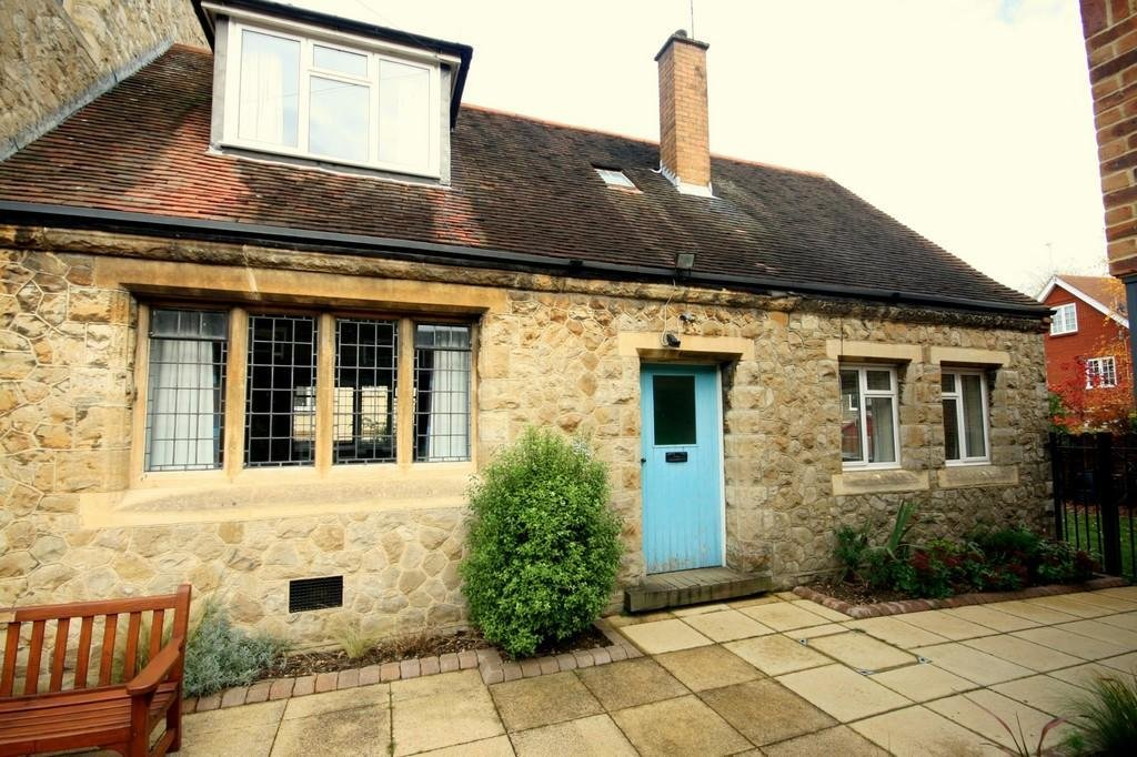 Best 2 Bedroom End Of Terrace House To Rent In Epsom Methodist With Pictures