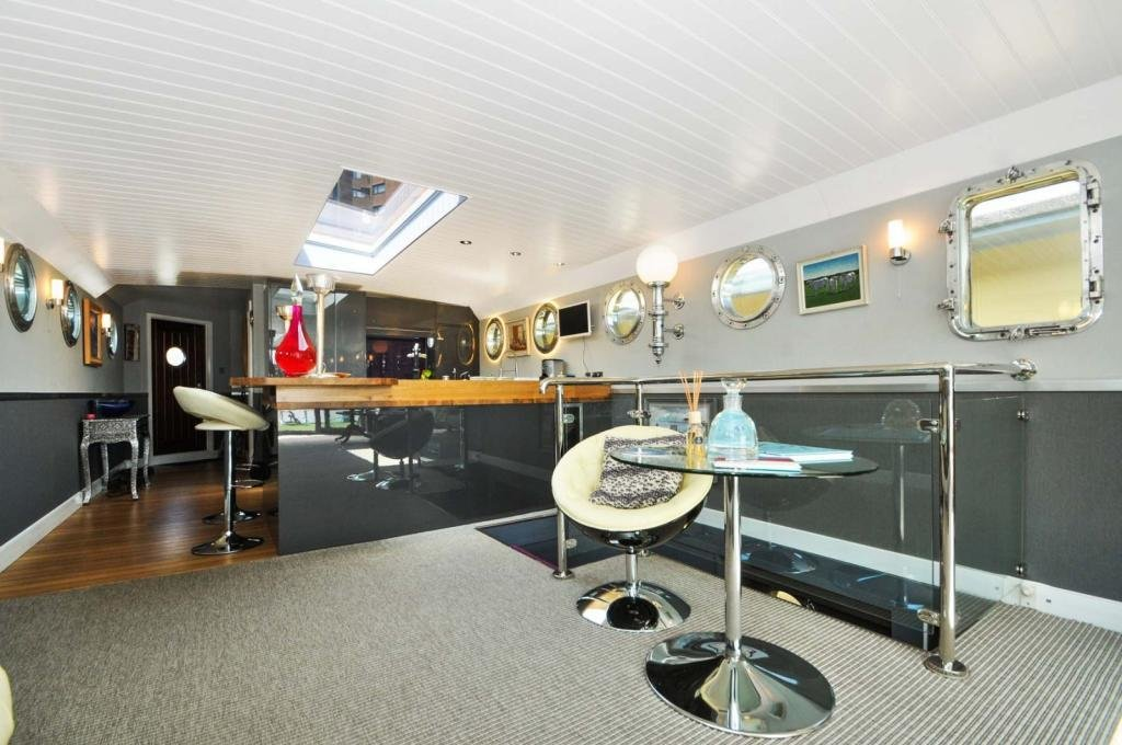 Best 3 Bedroom House Boat For Sale In Cheyne Walk London Sw10 With Pictures