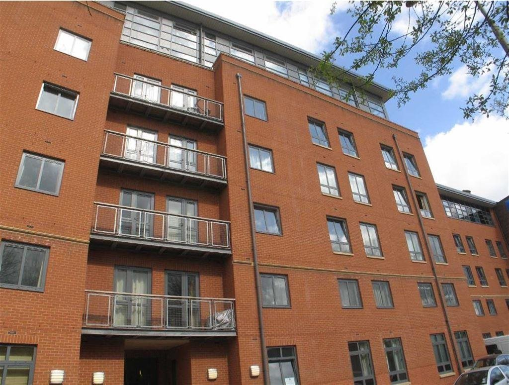 Best 2 Bedroom Apartment To Rent In Lake House Castlefield Manchester M15 M15 With Pictures