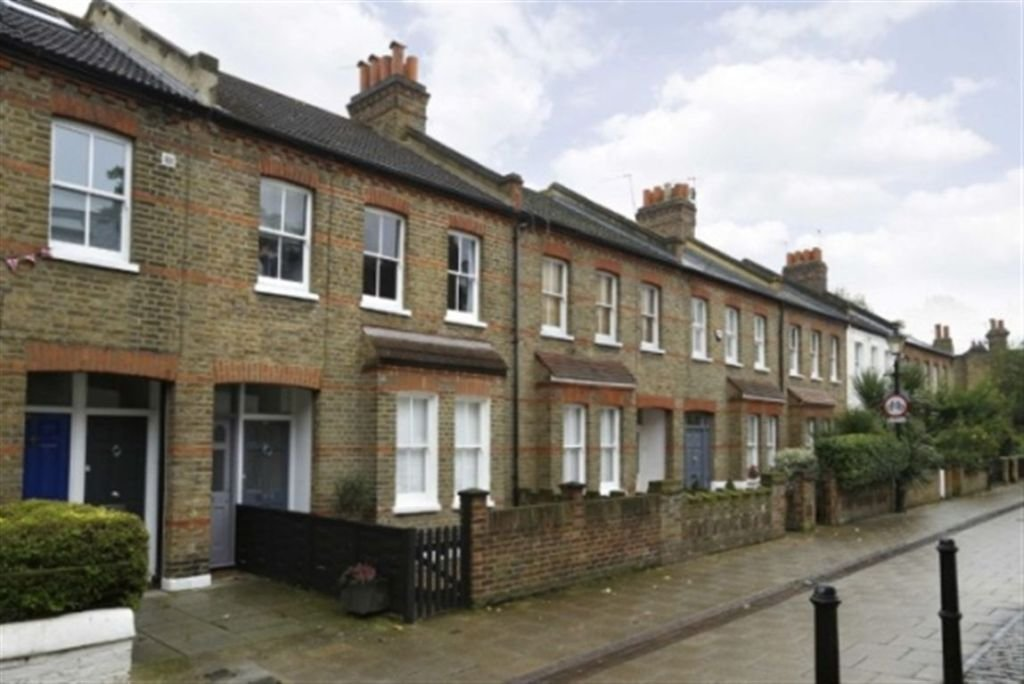 Best 2 Bedroom Apartment To Rent In Quill Lane Putney London With Pictures