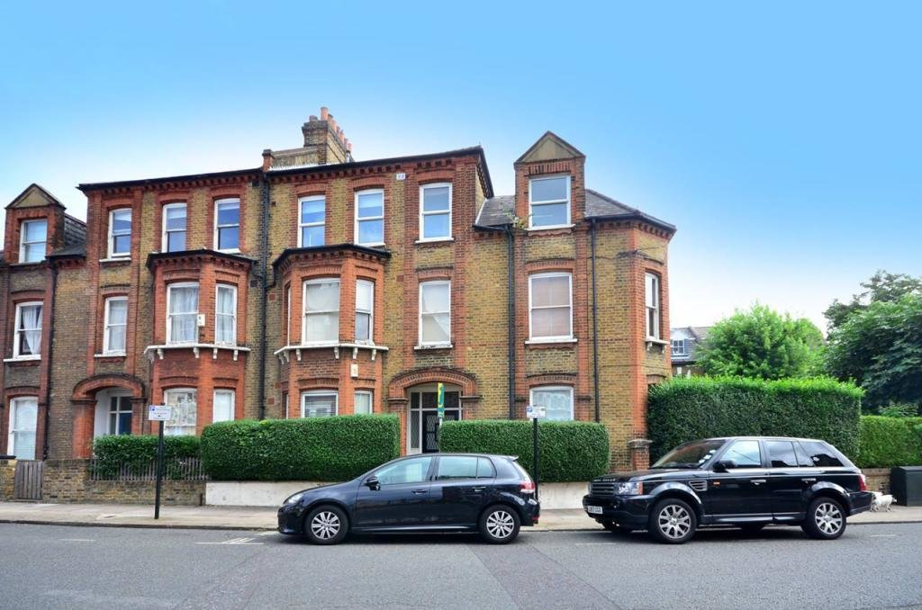 Best 2 Bedroom Flat To Rent In Tremadoc Road Clapham High With Pictures