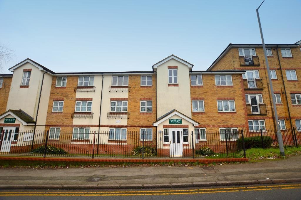 Best 2 Bedroom Apartment For Sale In Dunstable Road Luton With Pictures