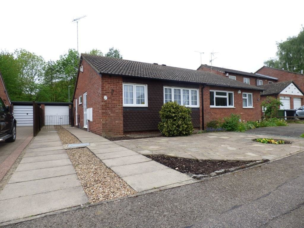 Best 2 Bedroom Bungalow To Rent In Speedwell Close Barton Hills Luton Bedfordshire Lu3 4Af Lu3 With Pictures