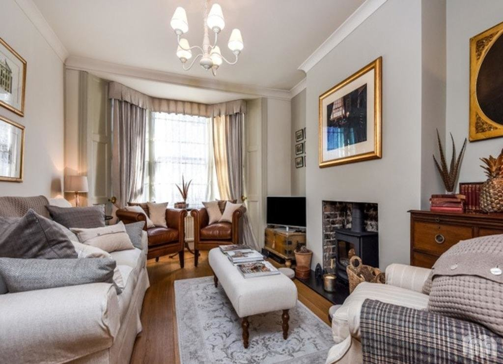 Best 2 Bedroom Terraced House For Sale In Borough Street With Pictures