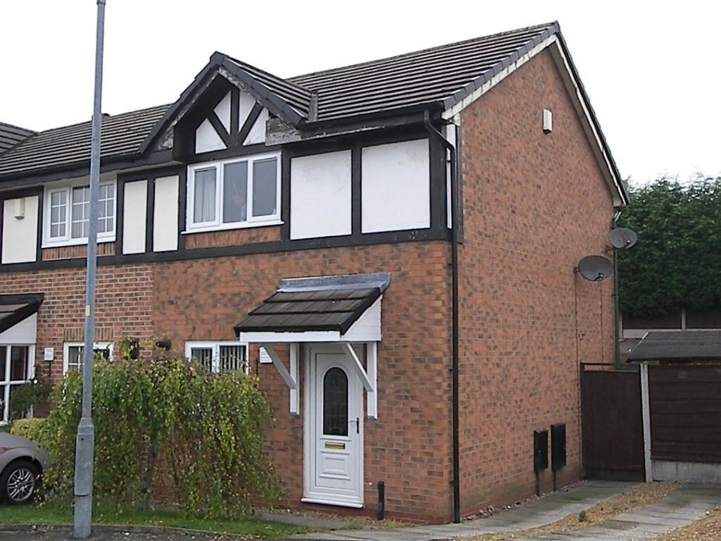 Best 2 Bedroom Town House For Sale In Meadow Walk Farnworth With Pictures