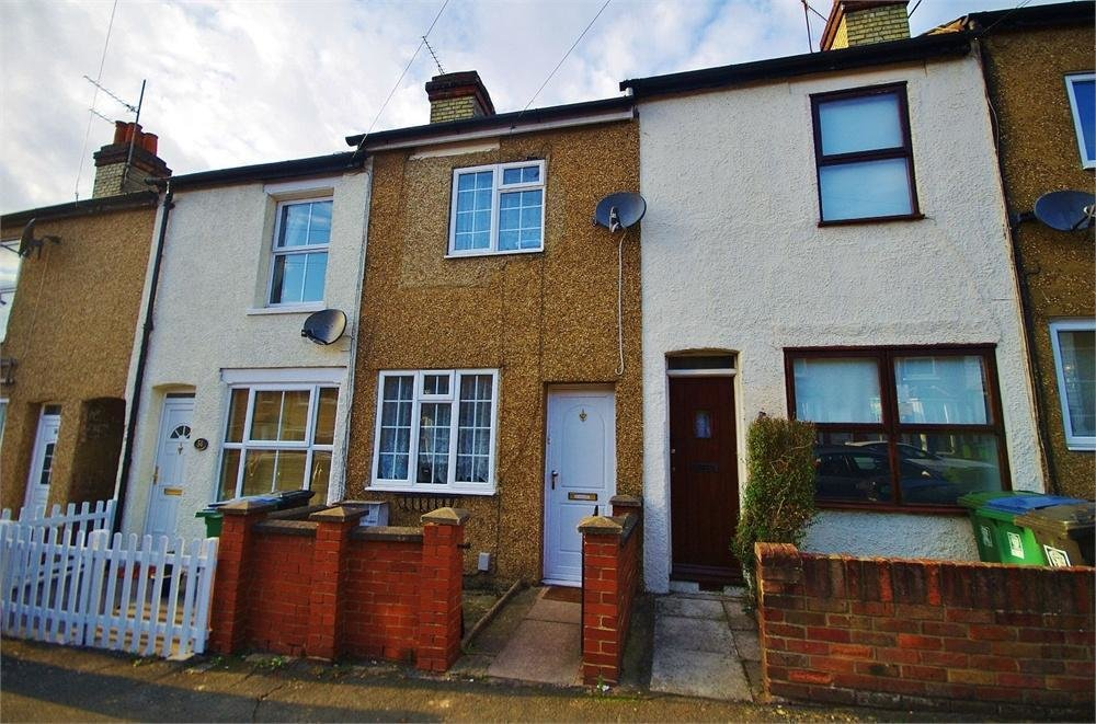 Best 2 Bedroom Terraced House To Rent In Holywell Road Watford With Pictures