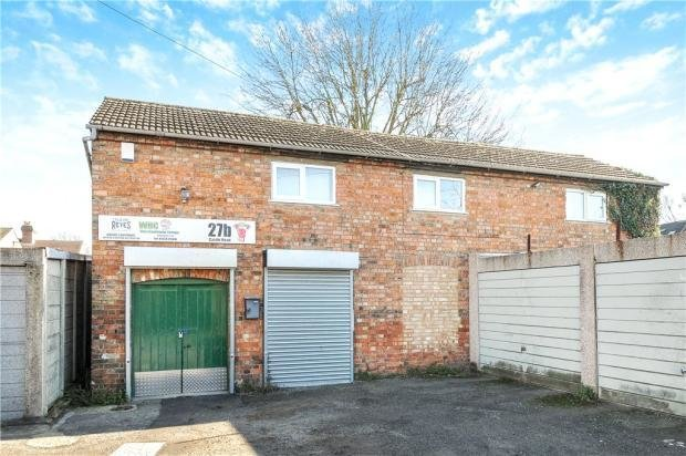 Best 2 Bedroom Detached House For Sale In Castle Road Bedford Bedfordshire Mk40 Mk40 With Pictures