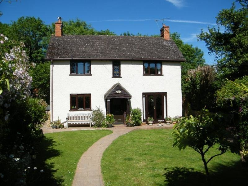 Best 3 Bedroom House For Sale In The Slade Bucklebury Reading With Pictures