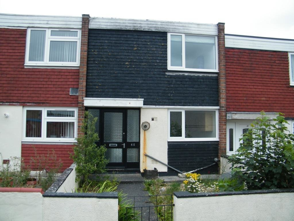 Best 2 Bedroom Terraced House For Sale In Cromer Walk Southway With Pictures