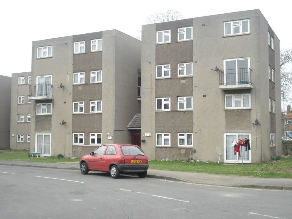 Best 2 Bedroom Apartment For Sale In Winvale Cippenham Slough With Pictures