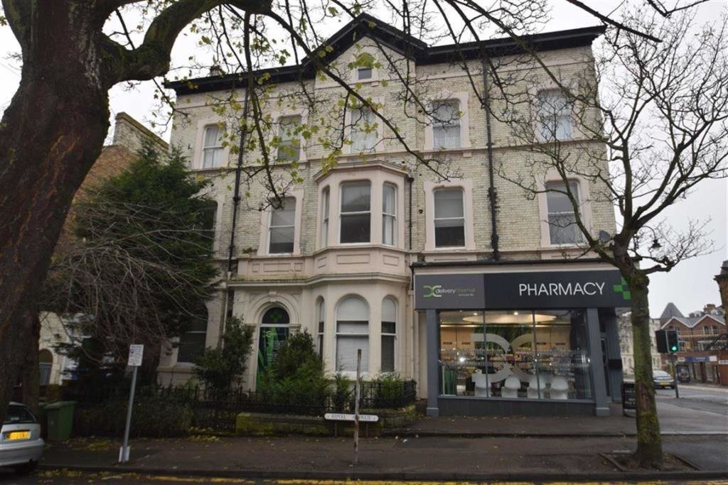 Best 3 Bedroom Flat To Rent In Royal Avenue Scarborough North With Pictures